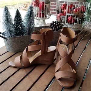 Crown vintage beautiful womens shoes